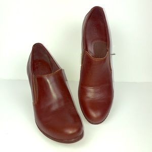 Born boc brown ankle boots